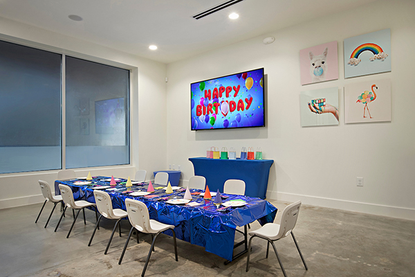decorated children's birthday party room at Ready Set FUN!